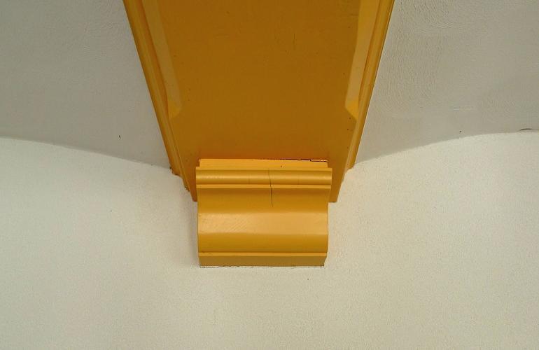 Consoles en sleutels beeldhouwwerk in hout hout varr restauratie - Plafond met balk ...